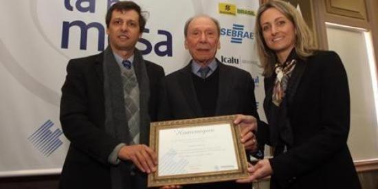 IRANI é homenageada pela Associação Comercial de Porto Alegre