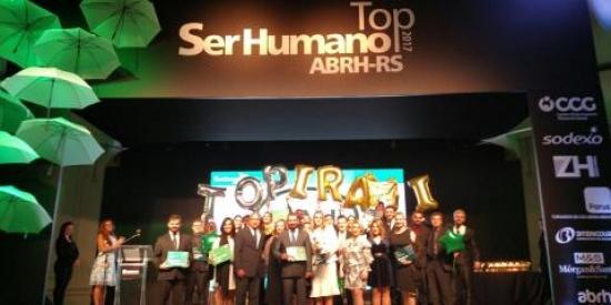 Orgulho é a palavra que nos define: pela segunda vez consecutiva recebemos o Prêmio Top Ser Humano da ABRH-RS
